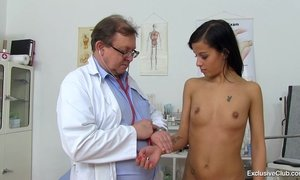 Girl with small tits visiting gyno clinic for bizarre cunt inspection AnalDin