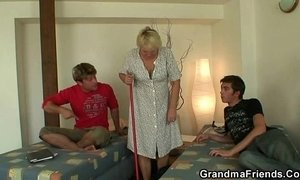 Two buddies fuck cleaning granny xVideos