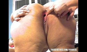 Fat Lady Gets Two Cock Fucking In The Kitchen xVideos