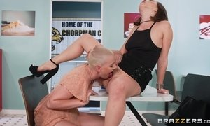 Two Horny Lesbians Deepthroat Double-Donged Sex Toy AnalDin