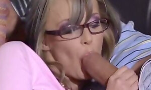 Blonde gives great head
