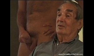 MILF Tries Some New Cock xVideos