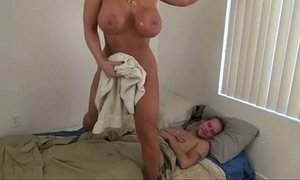 Hot mom help son - alura jenson xVideos
