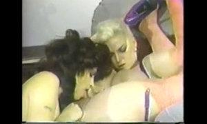 chessie moore gets herself biker bitch xVideos