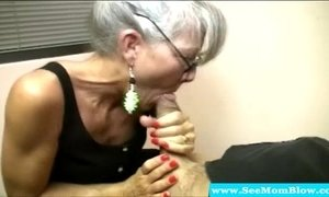 Mature mother with spex sucking cock xVideos