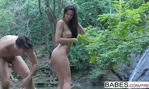 Babes - Wild Life  starring  Jay Smooth and Alexa Tomas clip xVideos