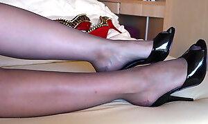 Feet in Nylon - Video 34