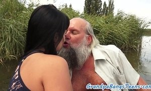 Teen brunette babe pov fucked outdoors by oldie