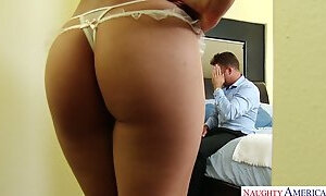 Sensual babe Heather Vahn enjoys every second of cock riding session