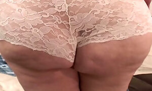 Hefty BBW mommy drills her wet cunt with rubbed dildo
