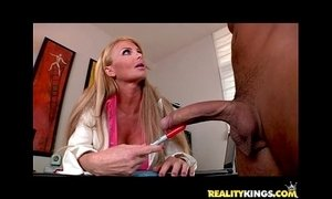 Taylor Wane bares her massive cans and gets pummeled by hung Voodoo xVideos