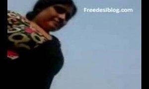 Desi Indian Maami ( Aunty ) BelowJob & Fuck With Boy On Terrace xVideos