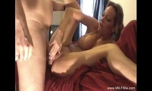 Homemade Hardcore MILF Fucking Awesome xVideos