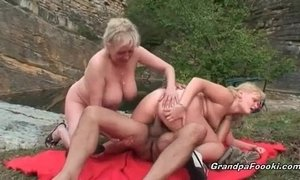 Old dude fuck her wife and hot blonde xVideos