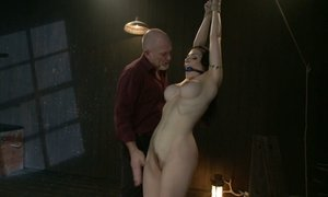 Submissive Annika Beeg