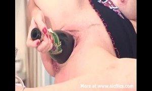 Fucking a champagne bottle backwards xVideos