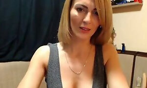 Gorgeous horny mommy webcam show orgasm