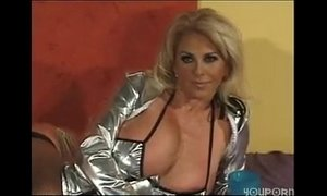 Bang tidy milf with huge bangers gets her back doors smashed in xVideos