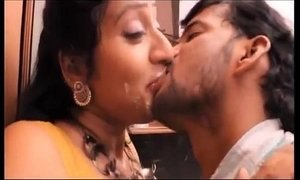 Hot mallu aunty hottest video french kiss ! xVideos