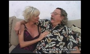 Mature Beauty Offered By Open-Minded Hubby xVideos