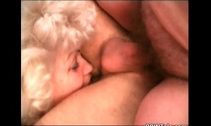These old hairy bitches know how to fuck xVideos