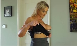 Hot MILF with sexy busty melons enjoys her fun