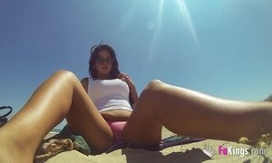 Spanish Cougar Masturbates Fully Naked At The Beach AnalDin